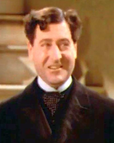 Hubert Bertie Minchin fratele Amandei (Arthur Treacher)