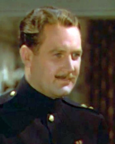 Căpitanul Reginald Crewe un văduv bogat (Ian Hunter)
