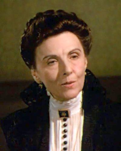 D-ra Amanda Minchin (Mary Nash)