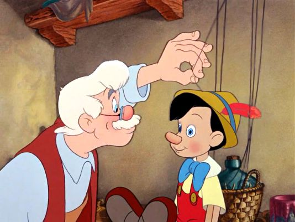marioneta de lemn pe care o numeste Pinocchio