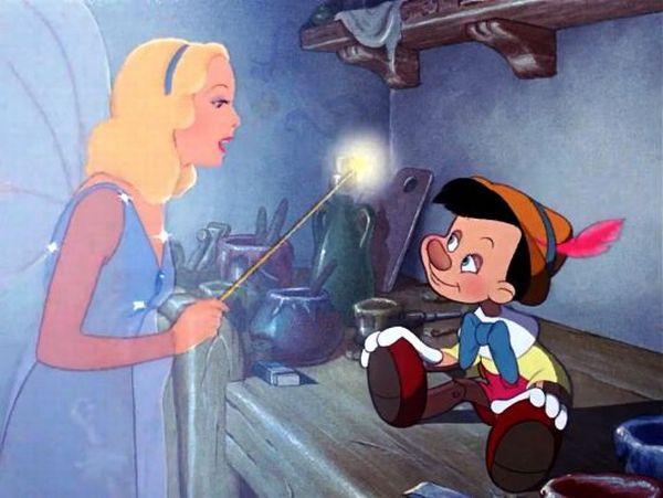 Zana Albastra care ii da viata lui Pinocchio