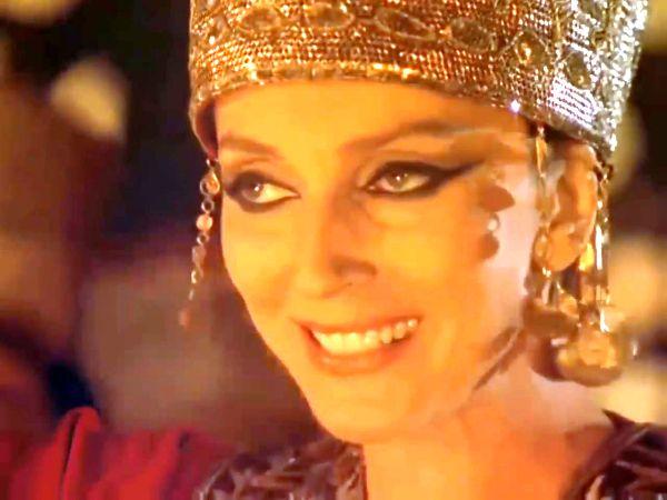 IRODIADA: Prieteni! Prinţesa o să danseze.